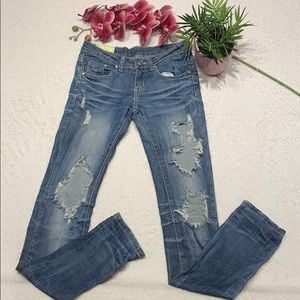 🔥🔥🔥 3/$25 🌸 Distressed Jeans size 1 🌸